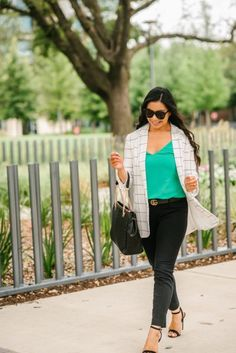 cute-and-affordable-work-outfits