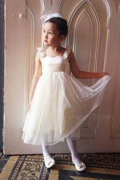 Ivory Flower Girls dress, Toddler girl dress, Baby girl dress, Bridesmaid dress, Girl birthday outfit, Rustic flower girl dresses.