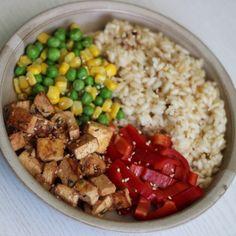 Marinované tofu Tofu, Cobb Salad, Grains, Rice, Jim Rice, Brass