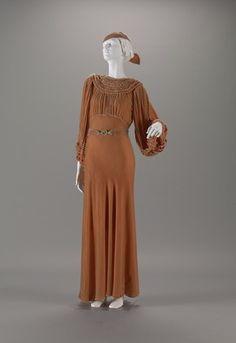 WEDDING DRESS WITH BELT, GLOVES AND HEAD PIECE designer Unknown creation date 1935 materials silk velvet, belt buckle with rhinestones