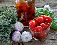 Blog o gotowaniu - tradycyjna kuchnia: Pomidorki koktajlowe w oliwie