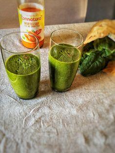 Wortel spinazie smoothie, een groene smoothie van spinazie en banaan. Deze snelle spinazie smoothie is niet alleen super gezond, maar ook heel lekker.  Het recept vind je op organichappiness.nl