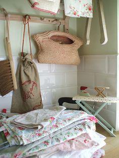 vintage laundry style