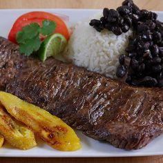 Grass Fed Inside Skirt Steaks - Long, flat skirt steaks ideal for tacos, fajitas and steak salads, made from lean, healthy grass fed beef Gourmet Food Store, Gourmet Recipes, Healthy Recipes, Gourmet Foods, Beef Flank Steak, Beef Steaks, Skirt Steak Recipes, Meat Online, Specialty Meats