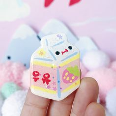 Measures just under 2 inches, handmade. Cute Polymer Clay, Cute Clay, Polymer Clay Charms, Diy Clay, Polymer Clay Sculptures, Sculpture Clay, Ceramic Clay, Ceramic Pottery, Clay Magnets