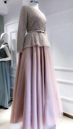 50 ideas dress long hijab party for 2019 Hijab Gown, Hijab Evening Dress, Hijab Dress Party, Party Wear Dresses, Wedding Dresses, Prom Dresses, Stylish Dresses, Fashion Dresses, Kebaya Modern Dress