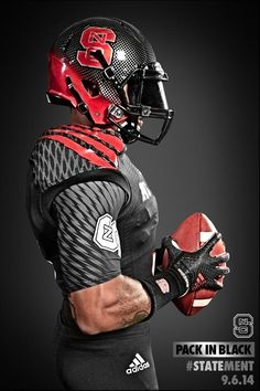 Pack In Black – American Football Football Is Life, Football Jerseys, Football Helmets, Football Season, Football Stuff, College Football Uniforms, Sports Uniforms, Football Pictures, Sports Pictures