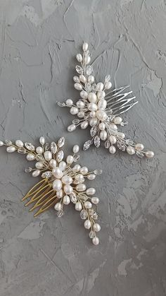 wedding hair videos Bridal silver and gold hair comb with freshwater pearl and cubic zirconia crystals, Wedding hair piece, Wedding headpiece, bridal pearl comb / Buy on Etsy / EDAccessory, Ready to ship! Hair Comb Wedding, Wedding Hair Pieces, Wedding Hair Combs, Bridal Comb, Handmade Wire Jewelry, Beaded Jewelry, Hair Beads, Hair Ornaments, Gold Hair
