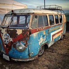 Slammed VW Kombi bus