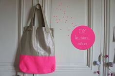 """DIY: The French Colourblock Fabric Summer Purse (click on """"diysac"""" to get the PDF with free instructions and pattern, beware: instructions are in French)"""