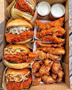 All of your dreams 🤩 in a Fried Chicken Box 🍗? I Love Food, Good Food, Yummy Food, Food Porn, Junk Food Snacks, Food Goals, Foodblogger, Aesthetic Food, Food Cravings