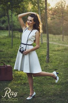 lookbook verano 2015 - RAY MUSGO Zapatos ecologicos de mujer #zapatos #tacones #shoes #heels #skirt #dress #vestido #moda #fashion #greenfashion #field #bosque #camera #camara #fotos