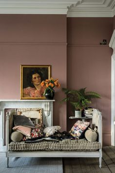 British paint manufacturer Farrow & Ball has expanded its extensive color card with nine new shades. Carefully chosen to balance Farrow & Ball'. Farrow Ball, Farrow And Ball Paint, Farrow And Ball Bedroom, Most Popular Paint Colors, New Paint Colors, Wall Painting Colors, Painting Wallpaper, Wallpaper Ideas, Living Room Paint Colours