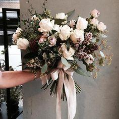 . Lesson Order Katalk ID vaness52 E-mail vanessflower@naver.com . #vanessflower #vaness #flower #florist #flowershop #handtied #flowergram #flowerlesson #flowerclass #바네스 #플라워 #바네스플라워 #플라워카페 #플로리스트 #꽃다발 #부케 #원데이클래스 #플로리스트학원 #화훼장식기능사 #플라워레슨 #플라워아카데미 #꽃수업 #꽃주문 #부케 #花 #花艺师 #花卉研究者 #花店 #花艺 . . #웨딩클래스 #부케 #오버사이즈부케 . . 언젠가 촬영용 부케로 들고 싶은