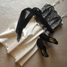White House Black Market cocktail dress Beautiful black lace over off white fabric,with ribbon belt.can be worn with or w/o straps.also there is a flare where the belt is,see pic # 3.Size 4In good condition,no stains,fully lined,back zipper.❌❌NO TRADES❌❌ White House Black Market Dresses