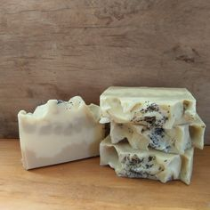 Natural Artisan soap scented with Mandarin and lemon essential oil and coloured with yellow clay and red sandalwood powder with poppy seeds sprinkled on top, this nature inspired soap smells heavenly and is great for sensitive skin.IngredientsOlive oil, coconut oil, Shea butter, castor oil, cocoa butter, salt, Mandarin essential oil, lemon essential oils, kaolin clay, yellow clay, red sandalwood powder, poppy seeds