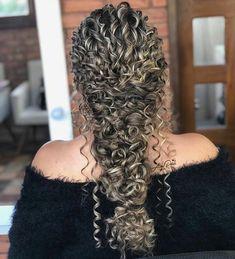 Curly Bridal Hair, Curly Hair Tips, Long Curly Hair, Big Hair, Curly Hair Styles, Natural Hair Styles, Wedding Hair Inspiration, Great Hair, Bridesmaid Hair