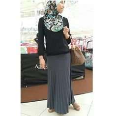 My accordian pleated skirt by TheSarah...love it soo much..