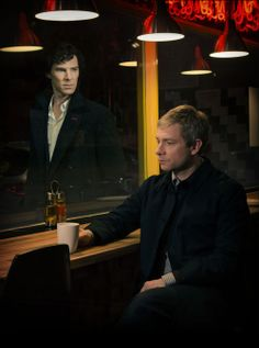 """""""Sherlock"""" fans, Christmas Eve is your lucky day. The BBC released a seven-minute mini-episode that acts as a prequel to """"Sherlock"""" Season """"Many Happy. Sherlock Tv Series, Sherlock Season, Sherlock Quotes, Sherlock Holmes Benedict, Sherlock John, Benedict Cumberbatch, Pete Holmes, New York Pizza, Mrs Hudson"""