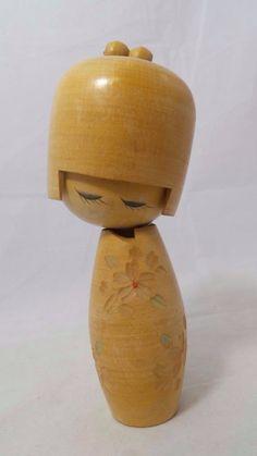 Viintage en bois Kokeshi poupée japonaise estampillé par RanchoGodinez sur Etsy https://www.etsy.com/fr/listing/242381485/viintage-en-bois-kokeshi-poupee