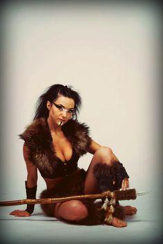 Амазонка образ полностью выполнен мной: от костюма и копья до макияжа и прически