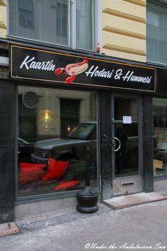 Gourmet hot dogs at Hodari & Hummeri in Helsinki - trimmings include lobster!