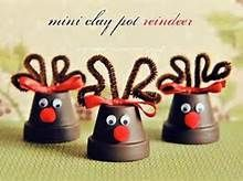 Little reindeers made out of mini clay pots. These could easily be made into ornaments. Little reindeers made out of mini clay pots. These could easily be made into ornaments. Christmas Clay, Preschool Christmas, Christmas Crafts For Kids, Christmas Projects, Holiday Crafts, Christmas Time, Christmas Decorations, Christmas Ornaments, Preschool Crafts