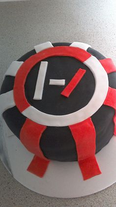 Twenty-one pilots cake