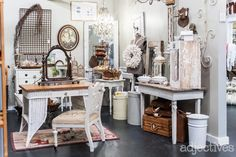 The Collective In Adjectives Winter Garden Market Displays, Booth Displays, Booth Ideas, Display Ideas, Antique Shops, Vintage Shops, Resale Store, Repurposed Items, Retail Space