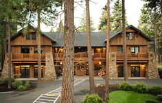 FivePine Lodge | Sisters Oregon Romantic Getaway Resort