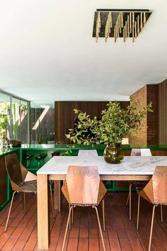 Mid-Century Modern Dining Room in Los Angeles, CA by Reath Design