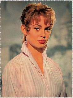 Brigitte Bardot on BRIGITTE BARDOT: French Actress, Model and Singer	  http://www.bardotbrigitte.com/wp-content/gallery/color/2234757746_ff87372ce1.jpg
