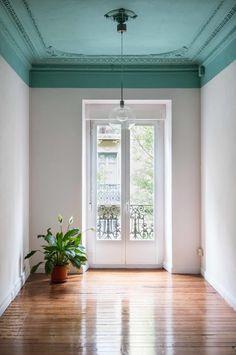 Cozy Apartment Decor, Design Apartment, Apartment Renovation, White Studio Apartment, Ux Design, House Design, Blue Wall Colors, Colored Ceiling, Ceiling Color