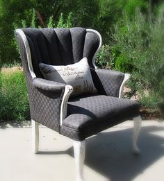 DIY: paint over your ugly upholstery