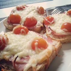 #croquemonsieur #tomato #ham #cheese #french #food http://lapairedejumelles.com/
