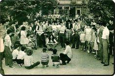 Mahallede Barış Manço küçük konserler verirdi.. Kadıköy / Bahariye - 1971