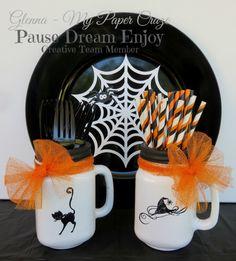 Heat Embossed Halloween Mason Jars and PDE Linky Party {Halloween Decor}