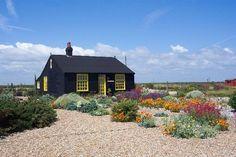 shingle garden: Derek Jarman's Prospect Cottage, near Dungeness Seaside Garden, Coastal Gardens, Coastal Style, Coastal Decor, Dungeness Beach, Little Gardens, Modern Farmhouse Style, The Good Place, 3 D