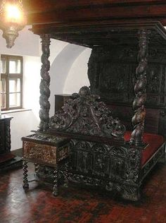 Bed Inside Draculas Castle Lots Of Pics Interiors