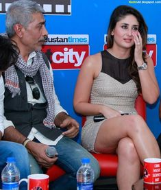 Kareena Kapoor promoting Styagraha 2013 Indian Actress Hot Pics, Indian Bollywood Actress, Bollywood Makeup, Beautiful Girl Indian, Most Beautiful Indian Actress, Hot Actresses, Indian Actresses, Ashok Chopra, Kareena Kapoor Pics