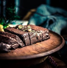 This decadent silky sinfully delicious rich meltinmouth nobake and eggless chocolate mousse cake is all you need this festive season A vegetarian and glutenfree chocolate. Eggless Desserts, Eggless Recipes, Eggless Baking, Easy Cake Recipes, Eggless Cake Recipe Video, Delicious Desserts, Gourmet Desserts, Chocolate Dishes, Chocolate Cookie Recipes