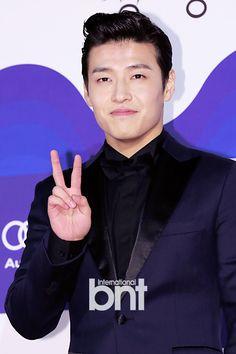 36th Blue Dragon Film Awards: Kang Ha Neul #RedCarpet