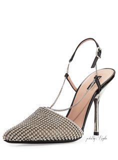 Just in time for the holiday soirées. Beaded Mesh Slingback Pump, Silver by Giorgio Armani at Neiman Marcus. Giorgio Armani, Chic Chic, Shoe Boots, Shoes Heels, Gold Shoes, Neiman Marcus, Silver Pumps, Louboutin, Evening Shoes