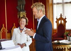 Dronning Sonja: Jeg kaller det nesten en liten nobelpris - Aftenposten
