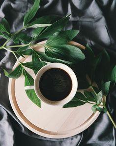 black cup of coffee calories # tasse noire de calories de café taza negra de calorías de café # calorie nere della tazza di caffè # siyah fincan kahve kalori Great Coffee, Coffee Art, Coffee Shop, Coffee Cups, Coffee Maker, Coffee Lovers, Decaf Coffee, Coffee Company, Hot Coffee