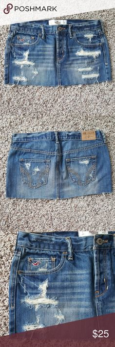 💙 Hollister Denim Miniskirt Medium stonewashed denim. Low waisted. Little stretch. Frayed hem. 10.5 inches from waist to hem. I feel Hollister denim runs a size larger than stated. This skirt may fit size 1-3/4. Hollister Skirts Mini