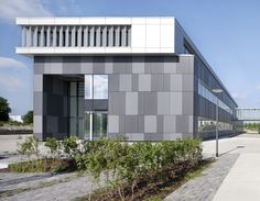 Office in Augsburg. Jesse Hofmeyer Werner arch. EQUITONE [natura] facade panels.