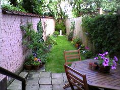 petit jardins even a narrow garden like this one can be enjoyable retreat