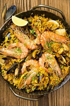 How to Make Paella De Marisco Seafood Paella, Fish And Seafood, Paella Food, Italian Dishes, Italian Recipes, I Chef, Asian Kitchen, Western Food, Fish Dishes