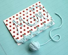Ide till att göra kort.  #mothersday #morsdag #mother #mothers #love #mamma #mammor #kärlek #älskar #giftcard #giftcards #kort #present #diy #garn #yarn #crochetmothersday #crochetmothersdaygift @one_sheepish_girl #crochet #virka #virkad #pyssel #virkamorsdagskort #creative #o...